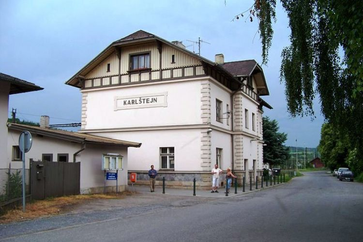 The station building of Karlštejn