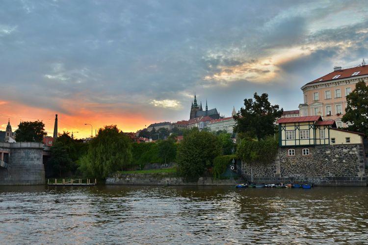 Západ slunce na Vltavě