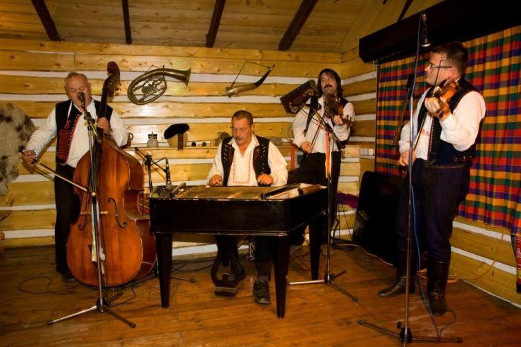 Folklórní hudebníci