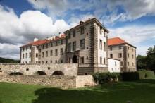 Torneos medievales y otros eventos entretenidos también se llevan a cabo en el Castillo