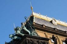 Střecha Národního divadla