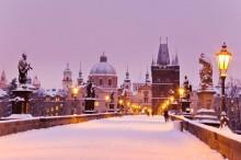 Staroměstská mostecká věž v zimě